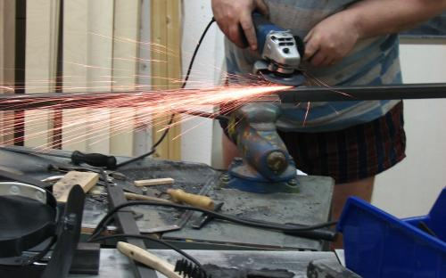 Výroba ocelového rámu na nábytek