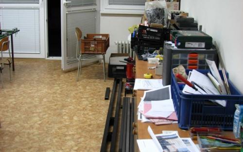 Po přestěhování - skříňky, nosníky a další naše věci