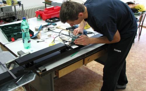 Výroba ocelového rámu na nábytek - horní rám