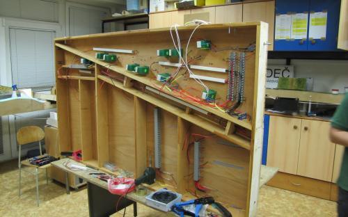 Elektroinstalační práce na dílu Sve-01