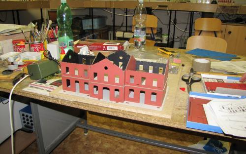Stavba pro Igra Model (budova Hronov) - první pokus sestavení