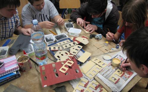 Stavba pro Igra Model (budova Hronov) - druhý nátěr zdiva