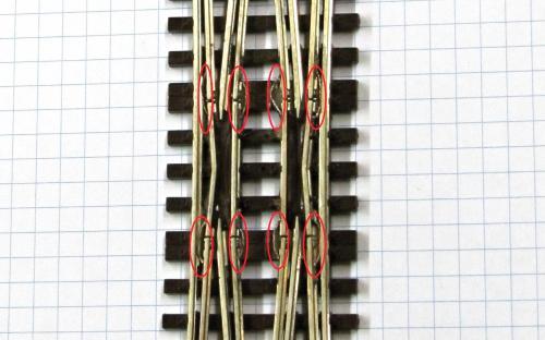 P2910 - Detail připájených propojů (A.T.)