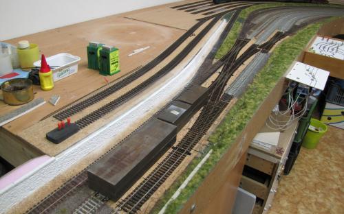2916 - Rekonstrukce zhlaví u depa  - lepení poslední koleje (A.T.)