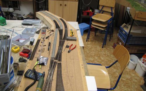Napojení zhlaví skryté stanice Brod na trať Tr01