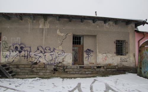 Ukázka nových fotografií skladiště v Ledči - ze strany od silnice