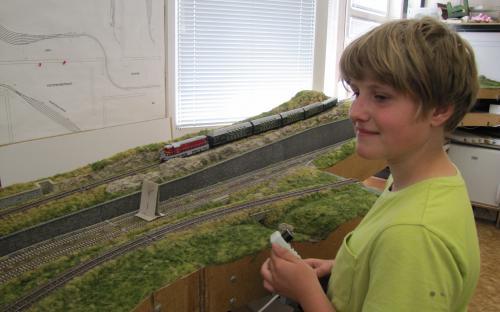 Nový zájemce o práci v našem KŽM vede osobní vlak Ledeč - Světlá