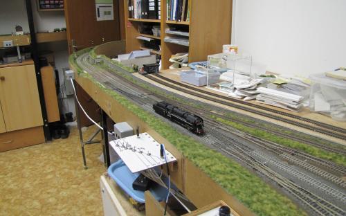 Žst. Světlá - brodské zhlaví a lokomotiva 475.1