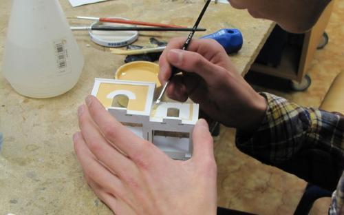 Práce Toma Bartoně na stavebnici KB Model