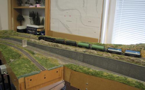 ... vlak je již před provizorním vjezdovým návěstidlem do Světlé