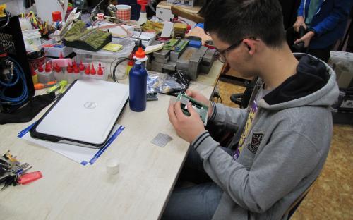 Práce členů KŽM - pokročilí - arduino hardware & software