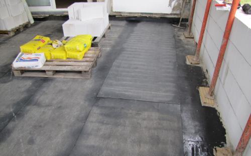 Dokončená izolace podlahy