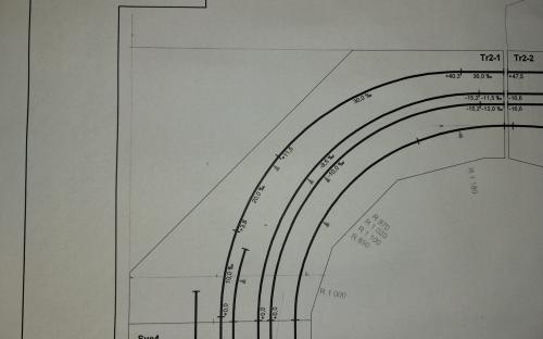 Plán zrušeného traťového obloukového dílu
